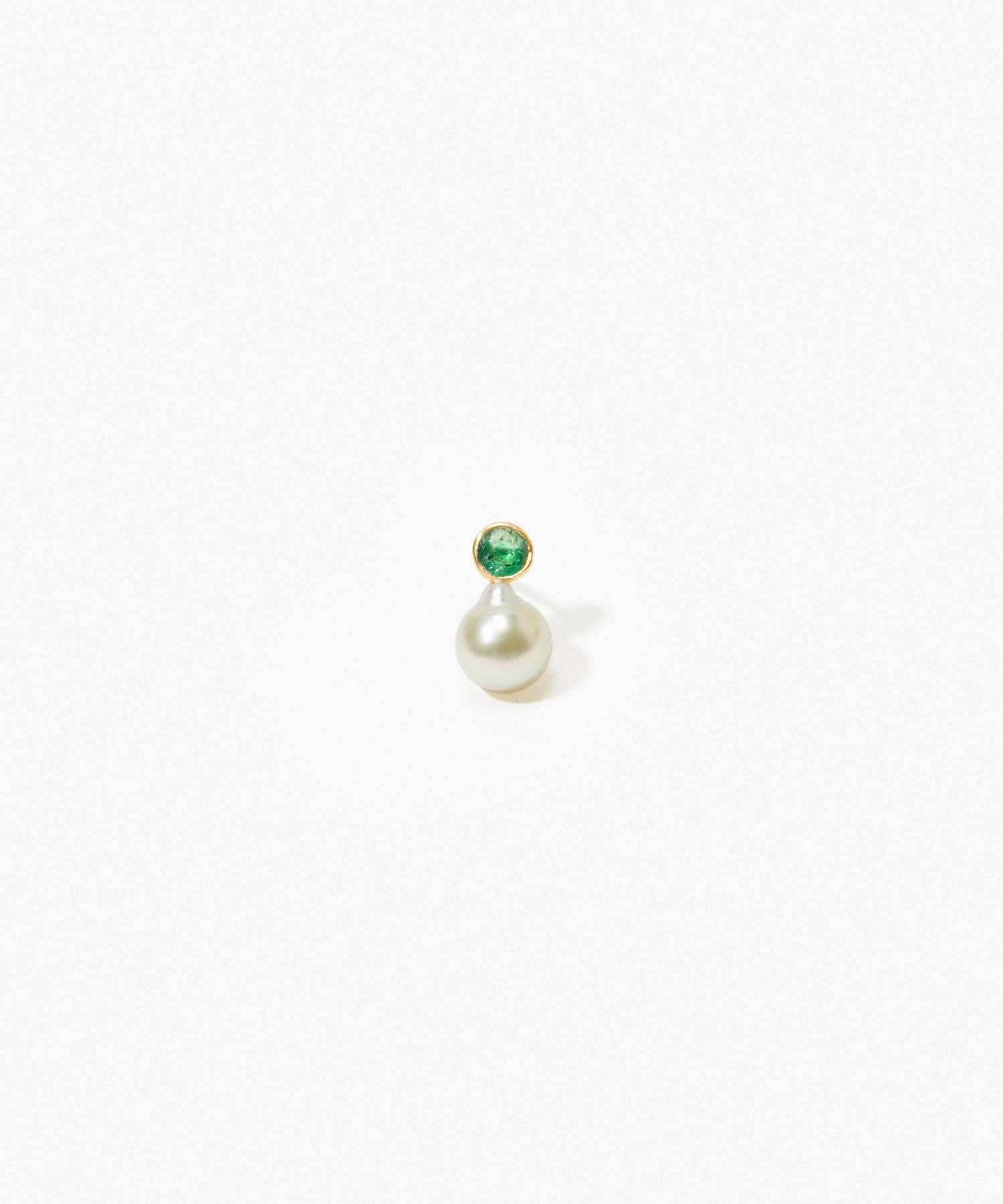[philia] K10 akoya and round emerald stud pierced earring