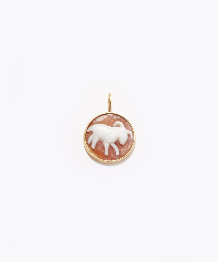 """constellation"" Aries cameo curving charm"