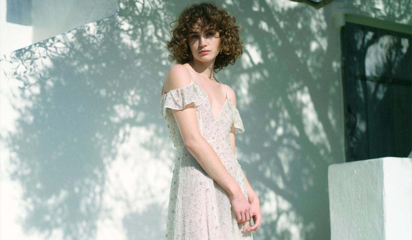 総クリスタル刺繍のドレス
